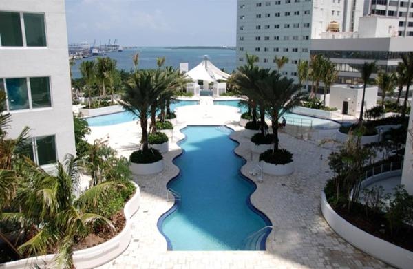 Glades_Miami_1.jpg